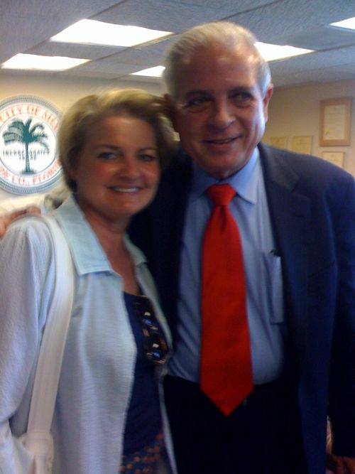 Amy & the Mayor of Miami in a blurry photo...