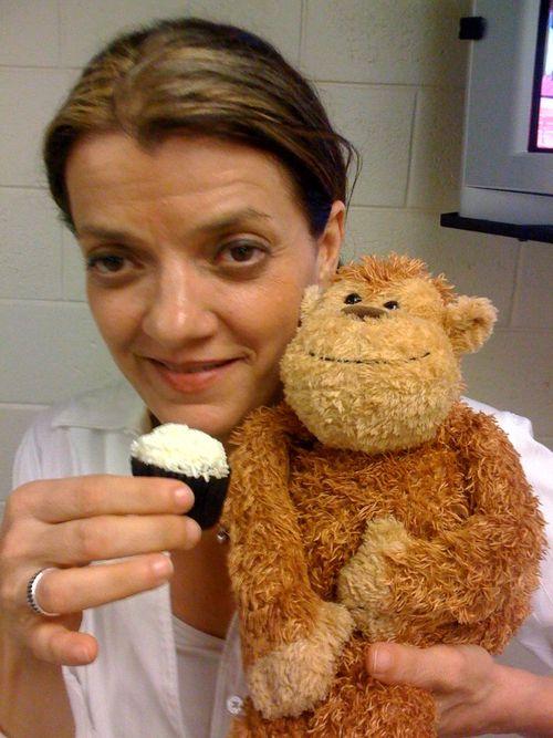 Julie Jacobsen, our drummer feeds Perdu a cupcake!